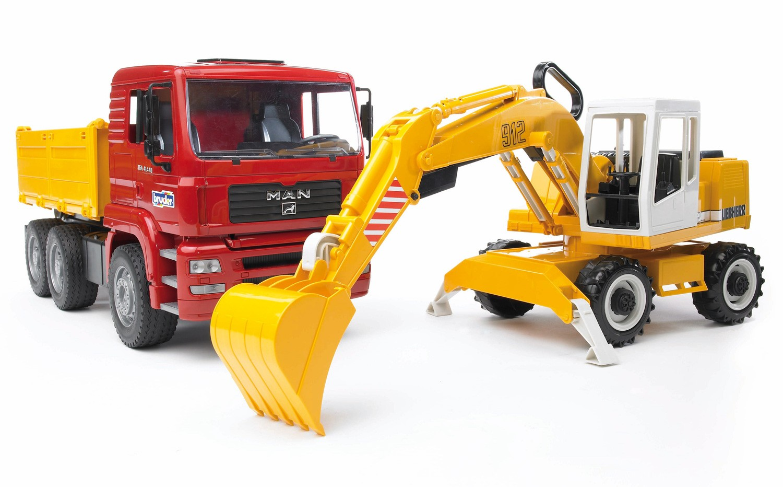 Самосвал Bruder MAN с колёсным экскаватором Liebherr по цене 3 790