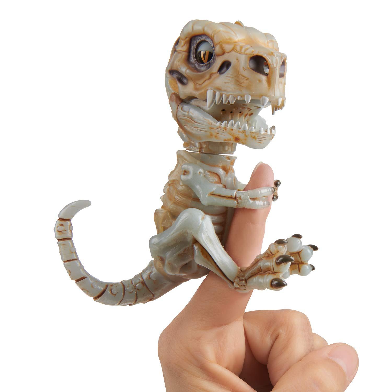 Купить Интерактивный скелетон Fingerlings – Дуум, звук, светится в темноте, WowWee