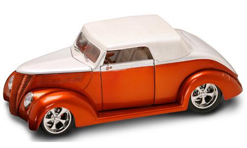 Коллекционный автомобиль - Форд V8 Конвертибл образца 1937 года, масштаб 1:18 от Toyway