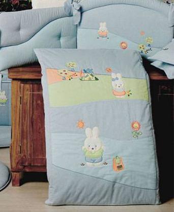 Одеяло для люльки - Акварели из коллекции 4 времени года из ткани пике с вышивкойМатрасы, одеяла, подушки<br>Одеяло для люльки - Акварели из коллекции 4 времени года из ткани пике с вышивкой<br>