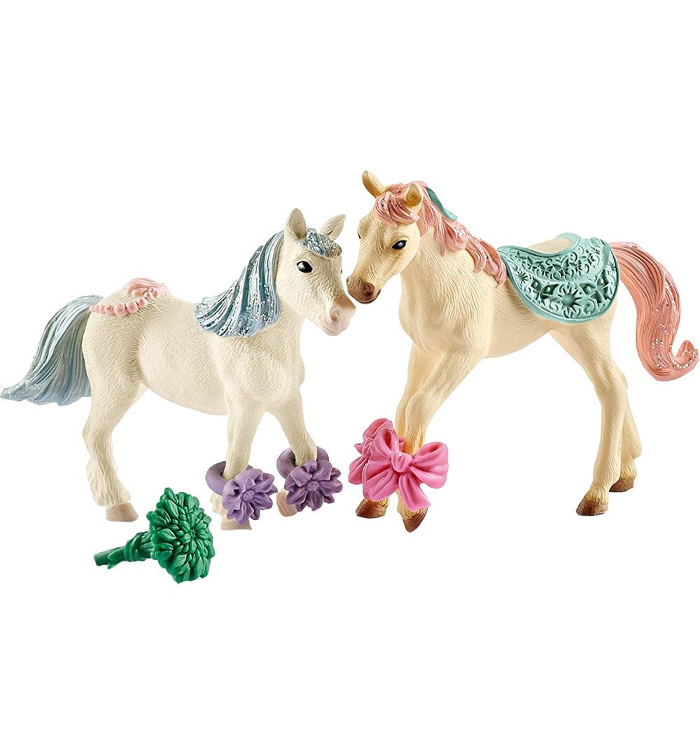 Купить Игровой набор Лошади с кормом, Schleich