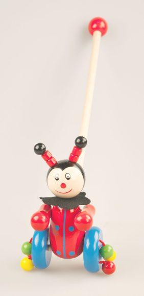 Каталка - Божья коровкаДеревянные игрушки<br>Каталка - Божья коровка<br>