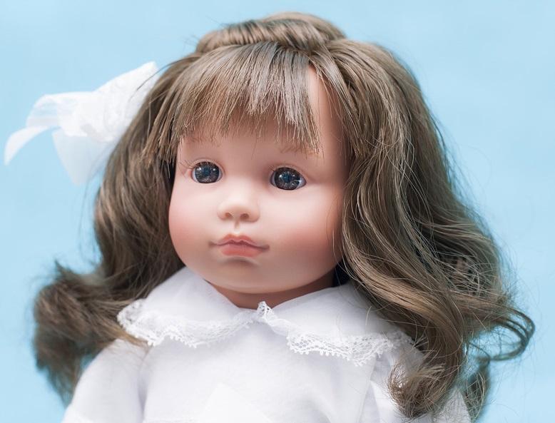 Кукла Нелли в белом платье, 43 см.Куклы ASI (Испания)<br>Кукла Нелли в белом платье, 43 см.<br>