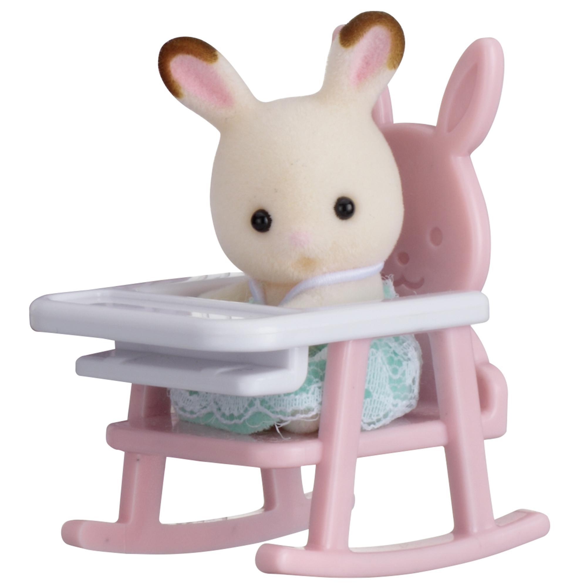 Купить Sylvanian Families. Младенец в пластиковом сундучке - Кролик в детском кресле, Epoch