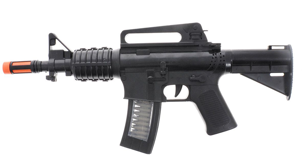 Винтовка М16 со звуком, на батарейкахАвтоматы, пистолеты, бластеры<br>Винтовка М16 со звуком, на батарейках<br>