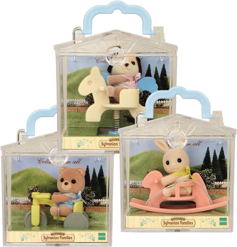 Игрушка младенец в пластиковом сундучкеСемьи и малыши<br>Игрушка младенец в пластиковом сундучке<br>