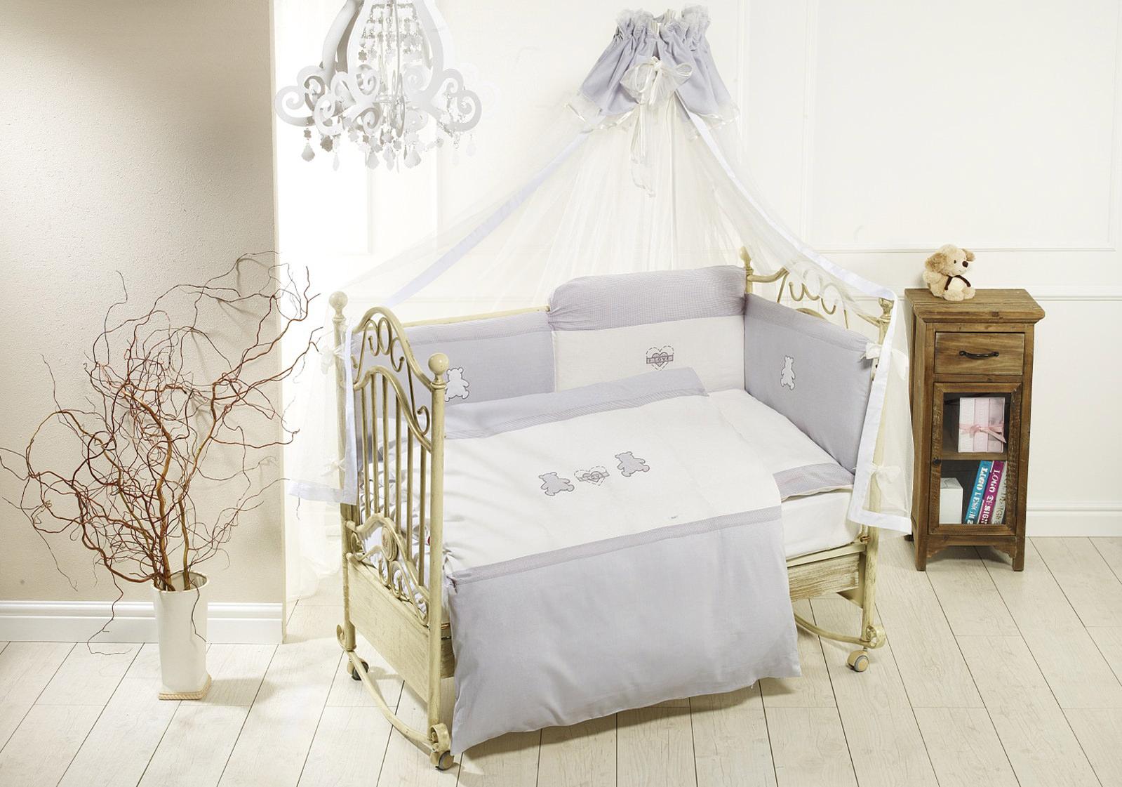 Комплект постельного белья Orsetti лонг, 6 предметов, бело-серыйДетское постельное белье<br>Комплект постельного белья Orsetti лонг, 6 предметов, бело-серый<br>