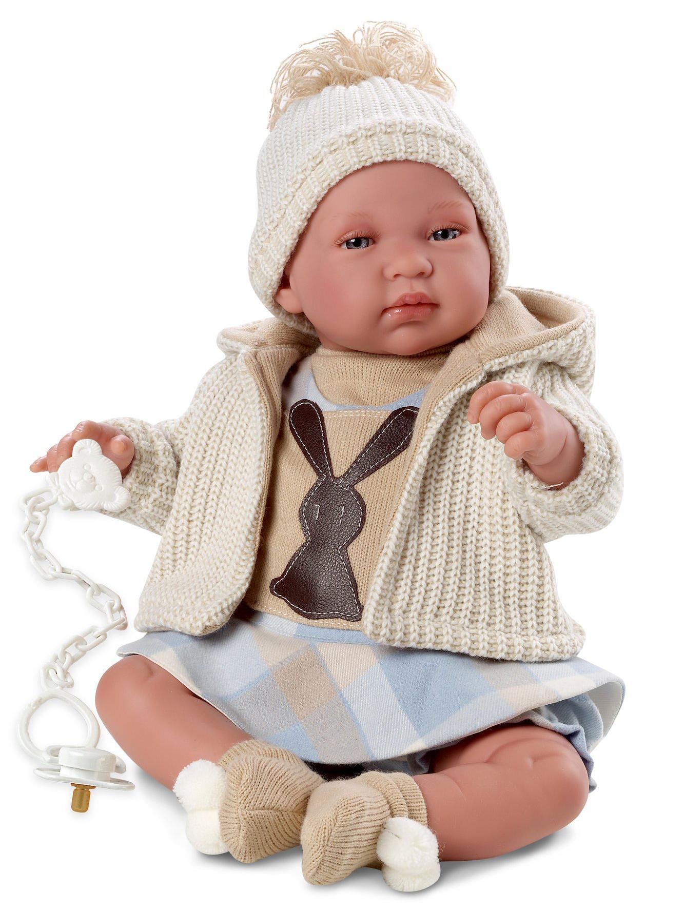 Кукла младенец в клетчатом костюмчике, 43 см., со звукомИспанские куклы Llorens Juan, S.L.<br>Кукла младенец в клетчатом костюмчике, 43 см., со звуком<br>