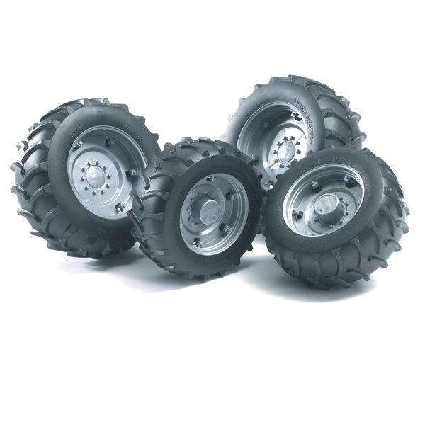 Аксессуары для машинки серии А: Шины с серебристыми дисками для системы сдвоенных колёсАксессуары<br>Аксессуары для машинки серии А: Шины с серебристыми дисками для системы сдвоенных колёс<br>