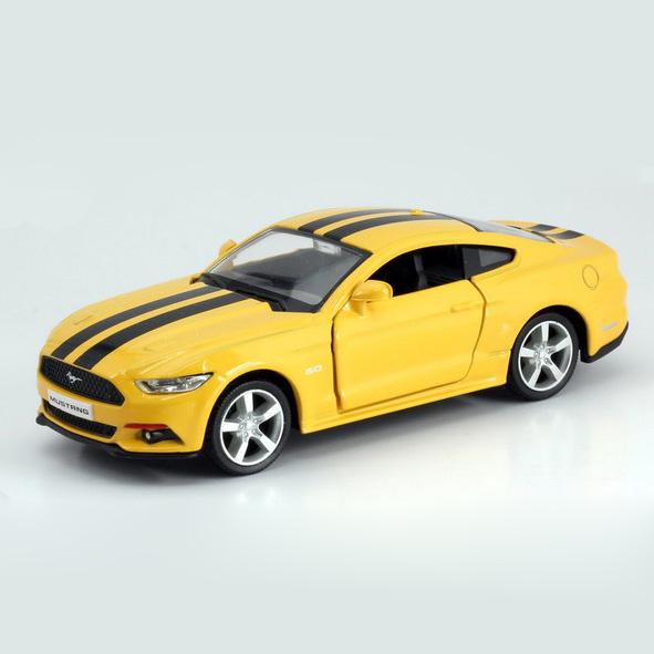 Металлическая инерционная машина RMZ City - Ford Mustang 2015, 1:32, 2 цвета с полоскамиFord<br>Металлическая инерционная машина RMZ City - Ford Mustang 2015, 1:32, 2 цвета с полосками<br>