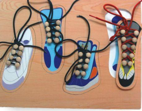 Деревянная рамка  Четыре ботинка - Деревянные игрушки, артикул: 84147