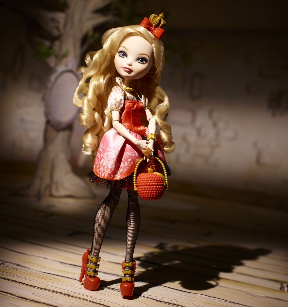Кукла Ever After High - Royal Apple White