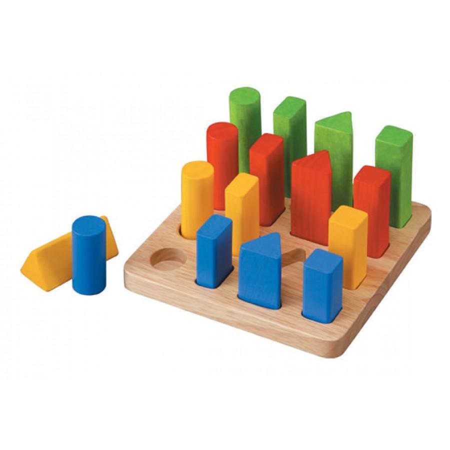 Геометрический сортер с разноцветными элементамиСтучалки и сортеры<br>Геометрический сортер с разноцветными элементами<br>