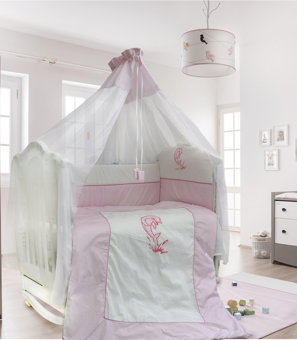 Комплект постельных принадлежностей – Дельфинчик, 7 предметов, цвет - розовыйДетское постельное белье<br>Комплект постельных принадлежностей – Дельфинчик, 7 предметов, цвет - розовый<br>