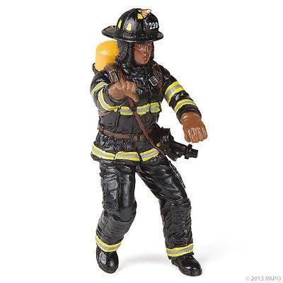 Фигурка американского пожарногоПожарная техника, машины<br>Фигурка американского пожарного<br>