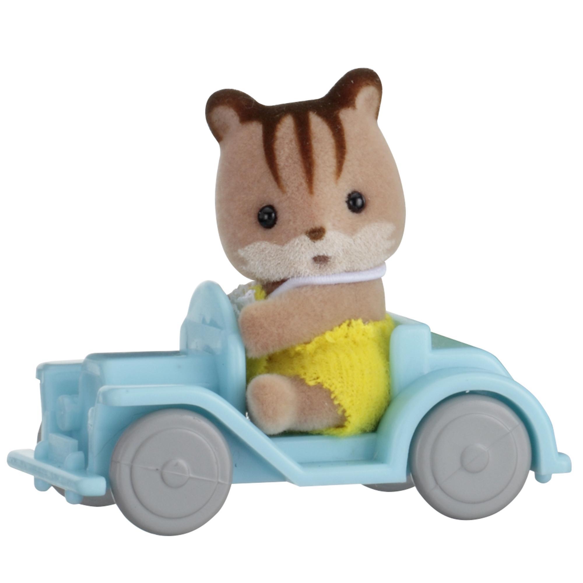 Купить Sylvanian Families. Младенец в пластиковом сундучке - Бельчонок на машине, Epoch