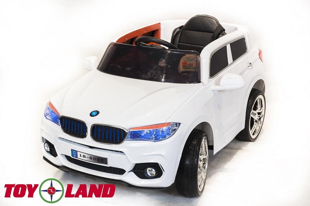 Электромобиль BMW X5 белого цвета