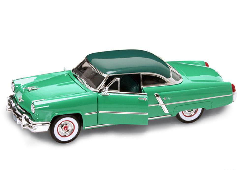 Коллекционная модель автомобиля 1952 года - Lincoln Capri, 1/18Lincoln<br>Коллекционная модель автомобиля 1952 года - Lincoln Capri, 1/18<br>