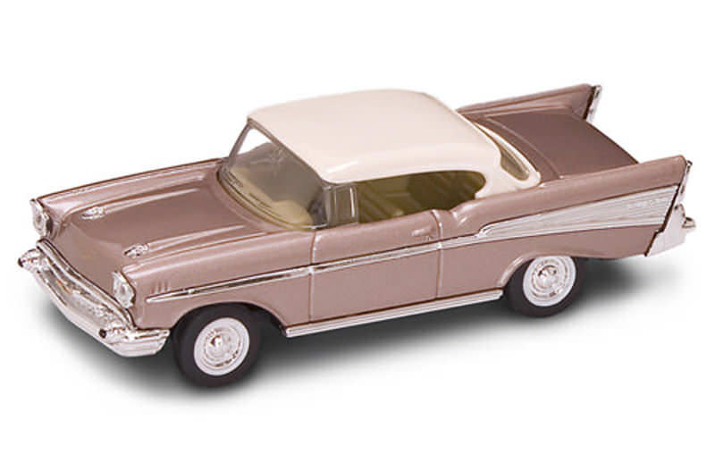 Коллекционная модель автомобиля 1957 года - Шевроле Bel Air, 1/43Chevrolet<br>Коллекционная модель автомобиля 1957 года - Шевроле Bel Air, 1/43<br>