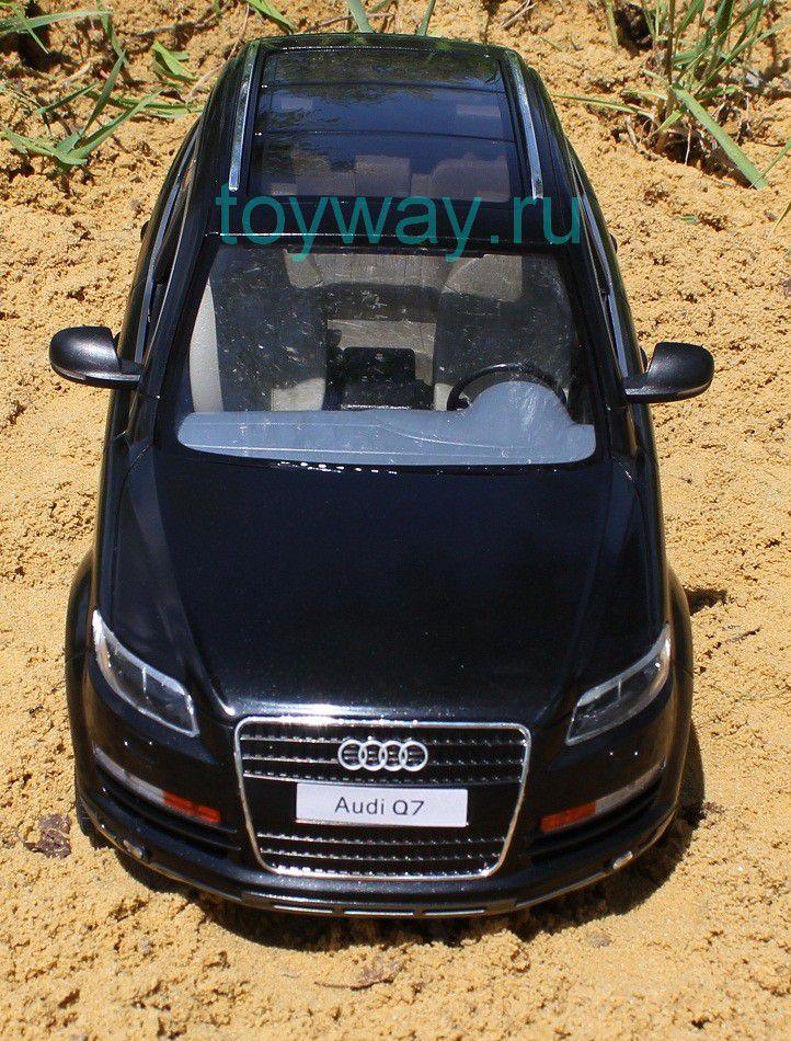 Audi Q7 на радиоуправленииМашины на р/у<br>Радиоуправляемая Audi Q7. Свет фар, поворотников...<br>
