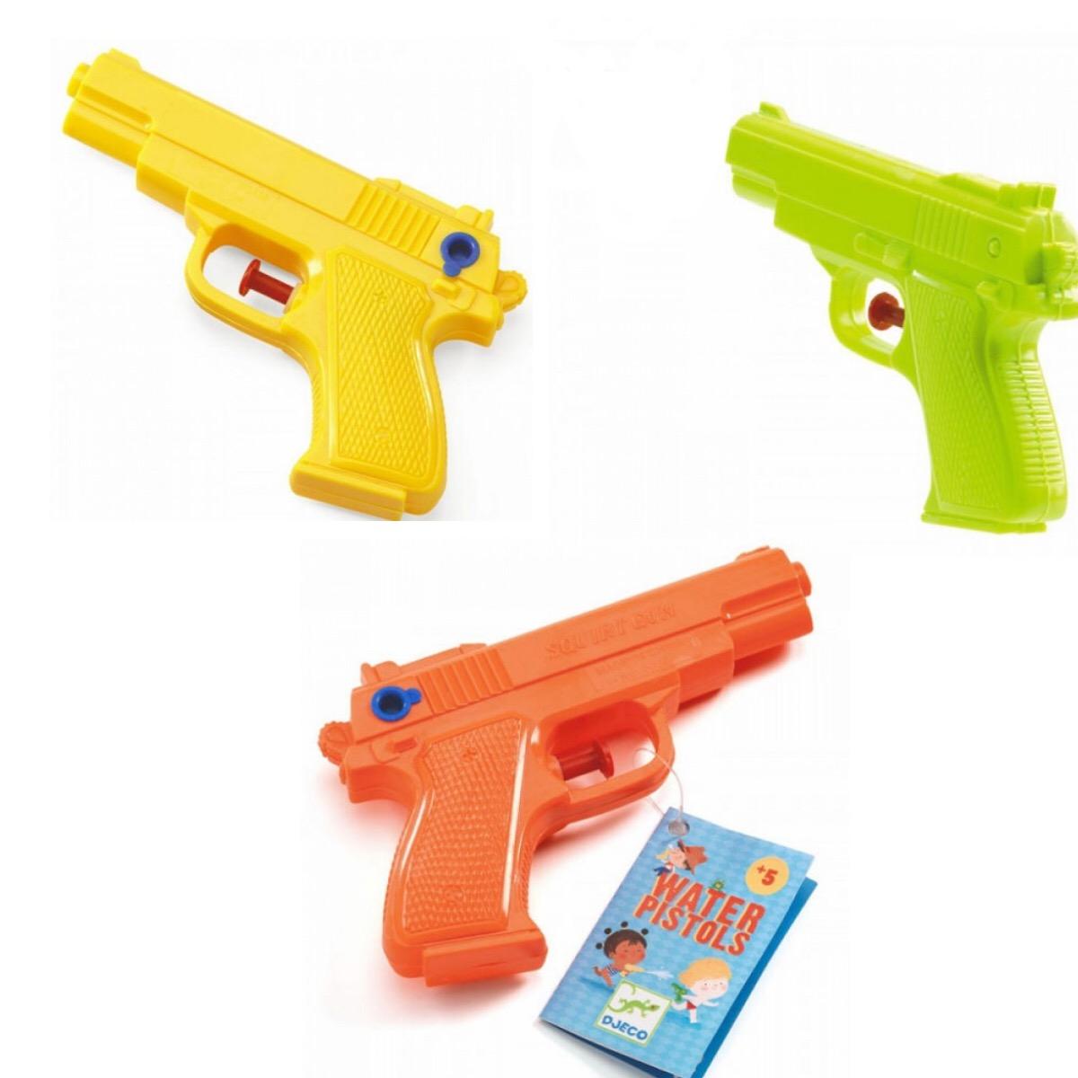 Водный пистолет, несколько цветов