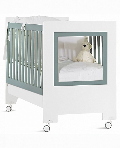 Кроватка детская из серии Le Chic, бело-сераяДетские кровати и мягкая мебель<br>Кроватка детская из серии Le Chic, бело-серая<br>