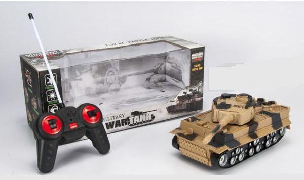 Радиоуправляемый танк, свет, звук
