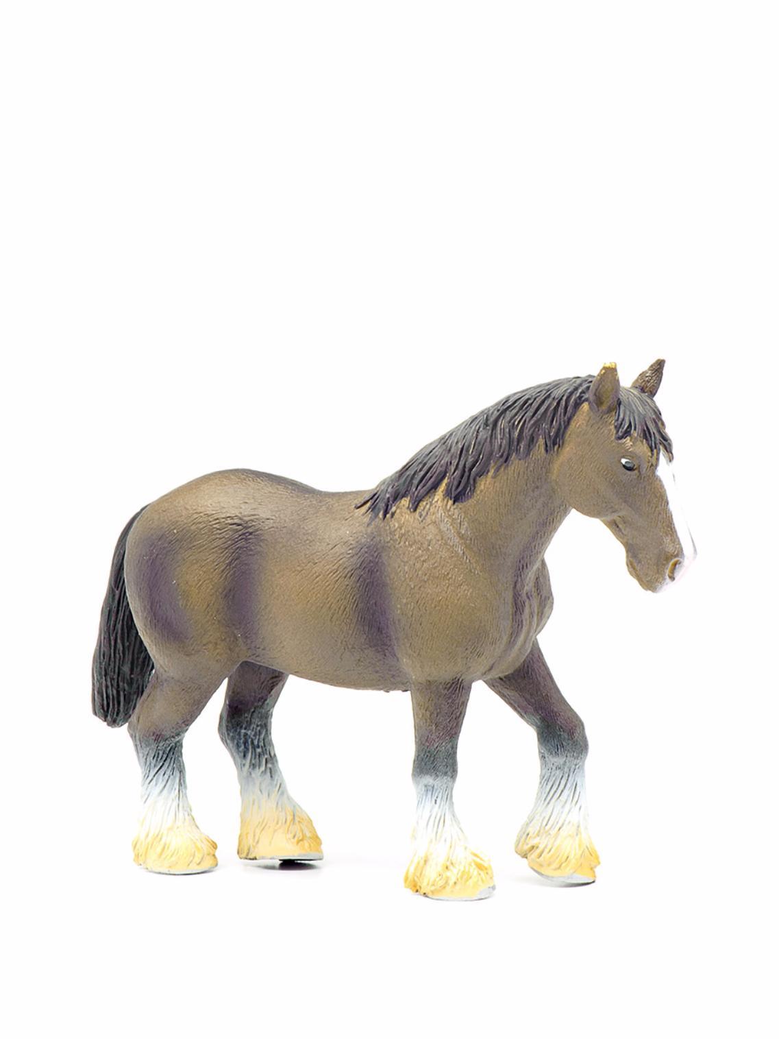 Лошадь мощной породы, темно-коричневая, 15 смНа ферме (Farm life)<br>Лошадь мощной породы, темно-коричневая, 15 см<br>