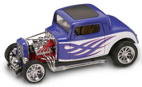 Коллекционный автомобиль - Форд Родстэр образца 1932 года, масштаб 1:18Ford<br>Коллекционный автомобиль - Форд Родстэр образца 1932 года, масштаб 1:18<br>