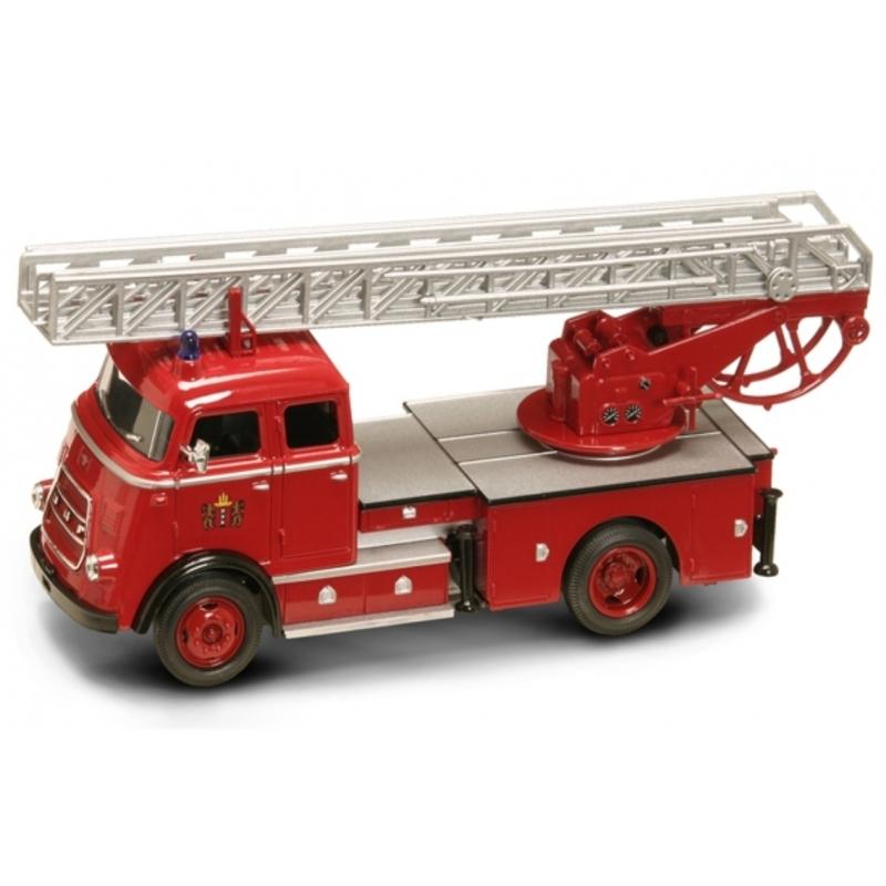 Модель пожарного автомобиля DAF A1600, образца 1962 года, масштаб 1/43 фото