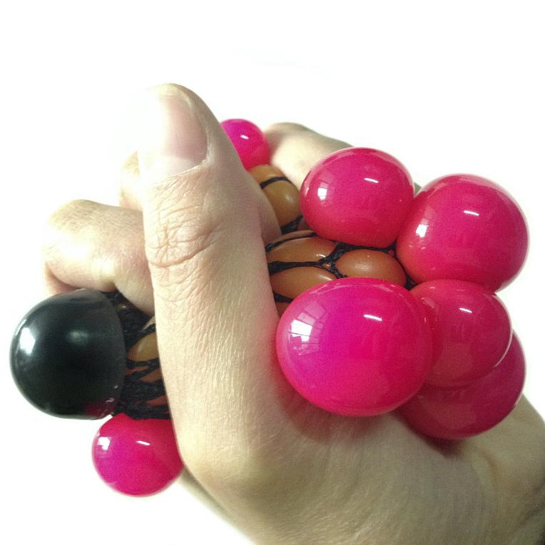 Стрессбол Жмяка оранжево-красныйЖвачка для рук<br>Стрессбол Жмяка оранжево-красный<br>