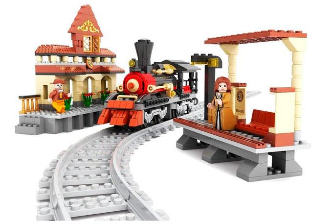 Конструктор Поезд и ж/д станция, 462 деталиКонструкторы других производителей<br>Конструктор Поезд и ж/д станция, 462 детали<br>
