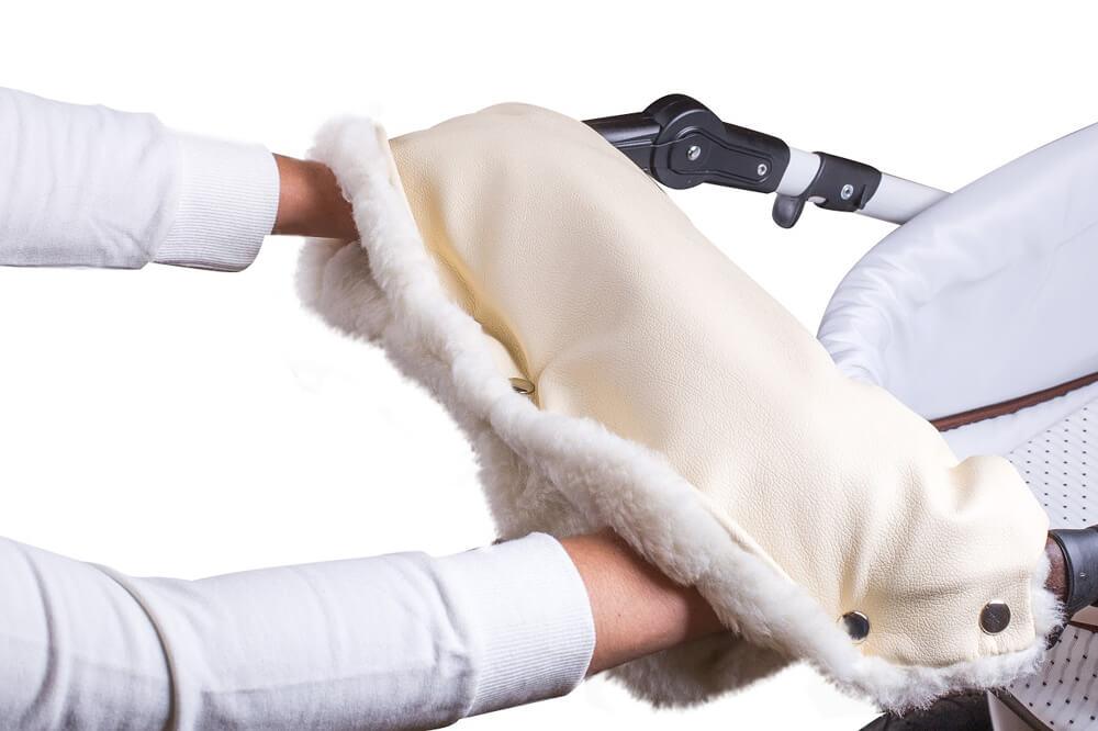 Купить Муфта для рук на коляску, ткань бежевая/мех белый, Moze