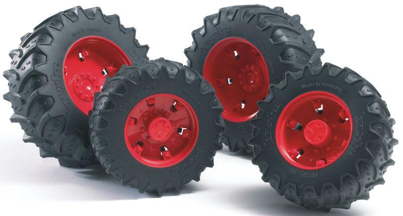 Шины для системы сдвоенных колес с красными дискамиАксессуары<br>Шины для системы сдвоенных колес с красными дисками<br>