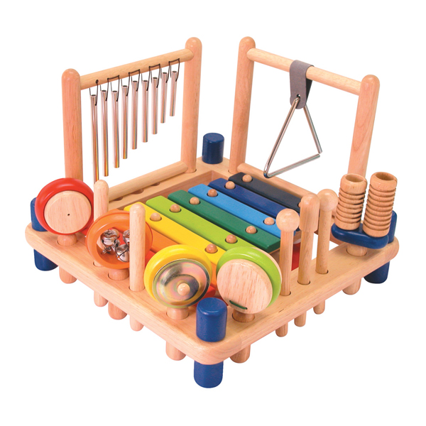 Деревянные музыкальные инструментыМузыкальные инструменты из дерева<br>С развивающей игрушкой Музыкальные инструменты от компании Im toy можно петь песенки и подыгрывать себе на музыкальных инструментах, можно придумать свои музыкальные композиции. После игры инструменты аккуратно расставляются на панели стола, ...<br>