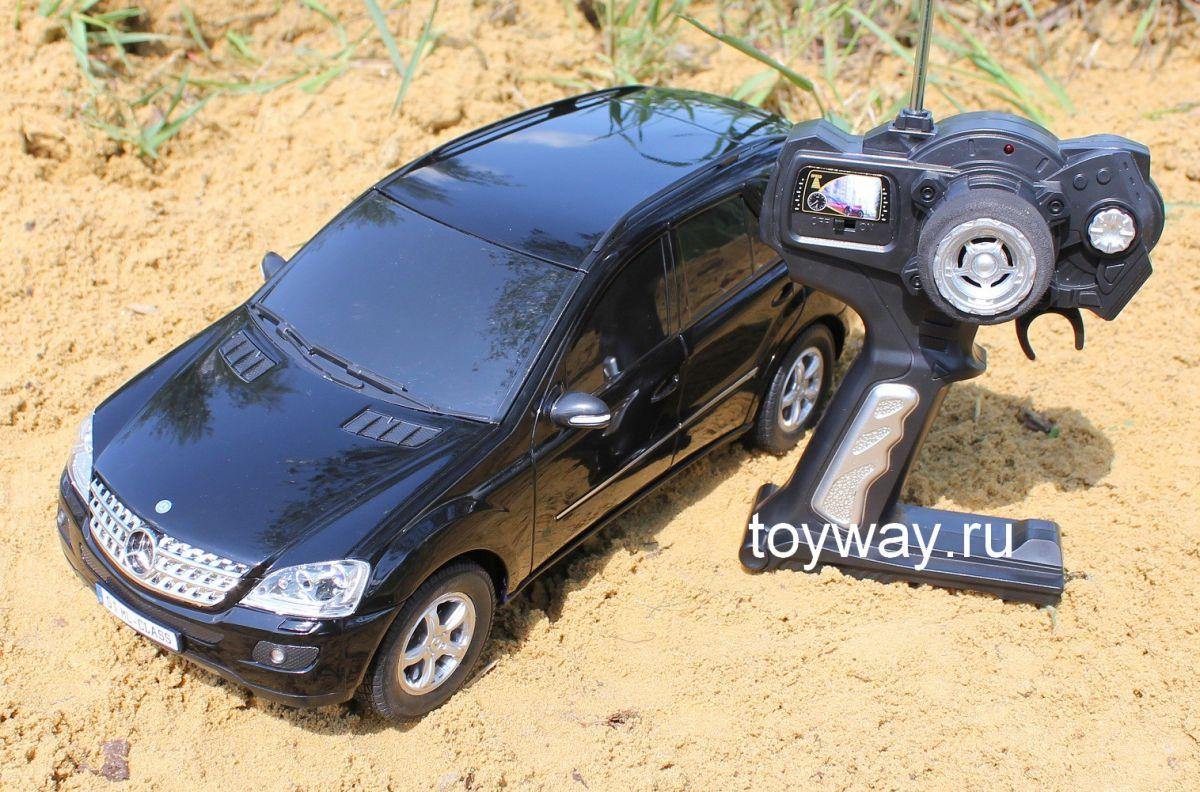 Mercedes ML на радиоуправлении, 35 см.Машины на р/у<br>Радиоуправляемый джип Mercedes-Benz ML-Class длиной 35 см.<br>