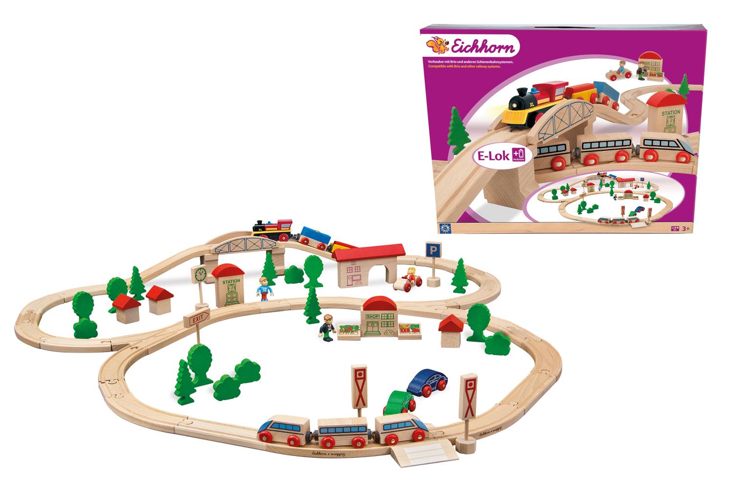Деревянная железная дорога с мостом и 2 поездамиДетская железная дорога<br>Деревянная железная дорога с мостом и 2 поездами<br>