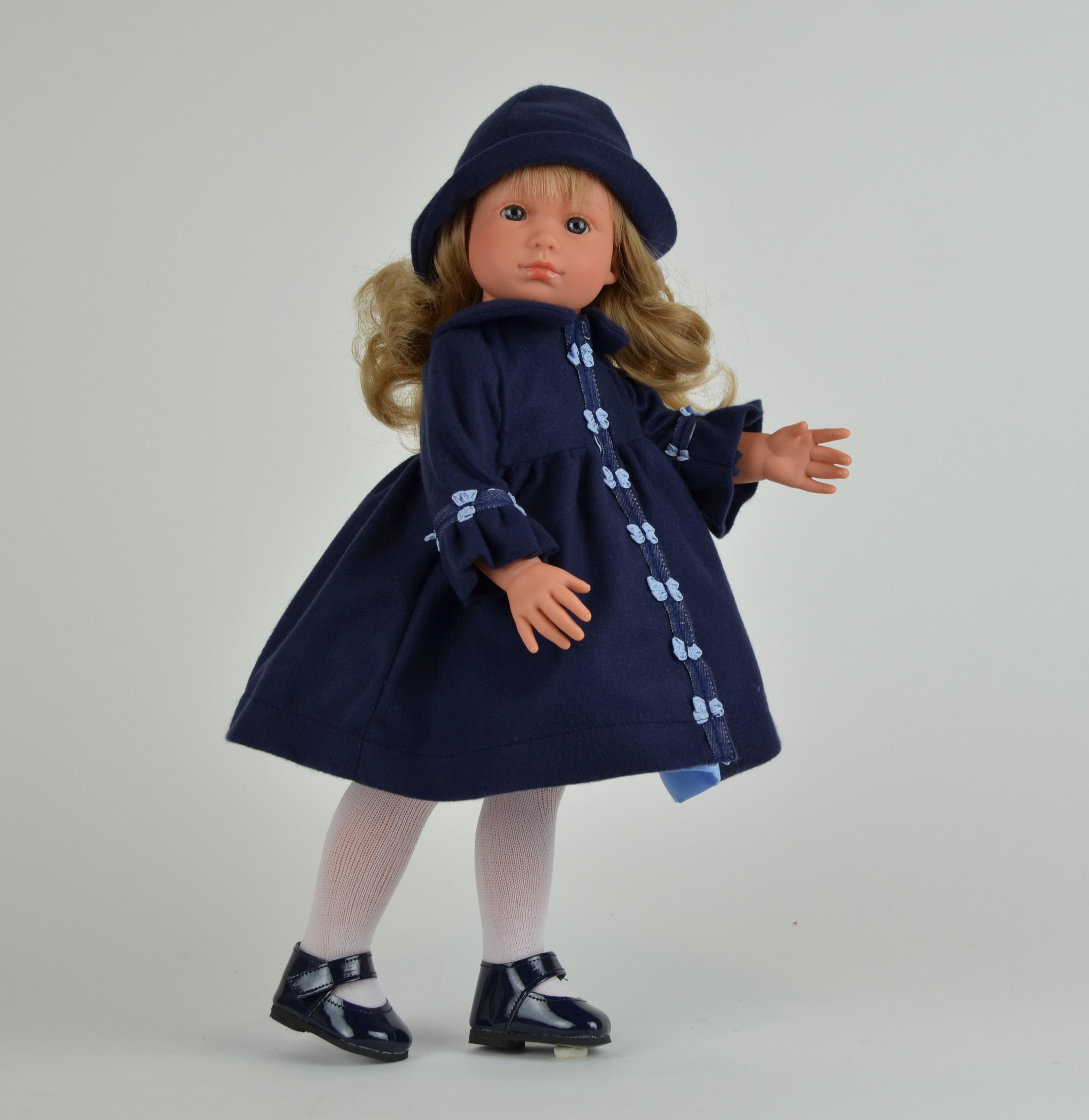 Кукла Нелли в синей панамке, 43 смКуклы ASI (Испания)<br>Кукла Нелли в синей панамке, 43 см<br>