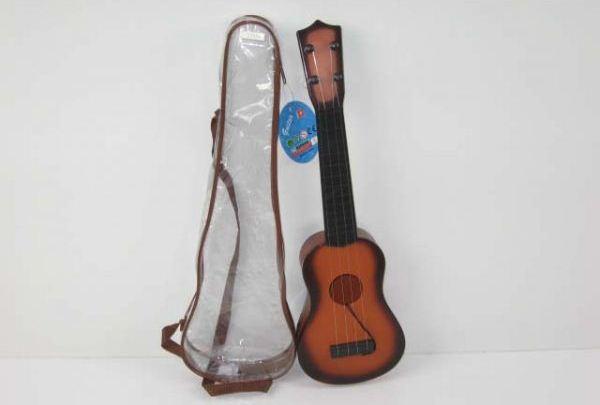 Гитара с 4-я струнами в пластиковом чехлеГитары<br>Гитара с 4-я струнами в пластиковом чехле<br>