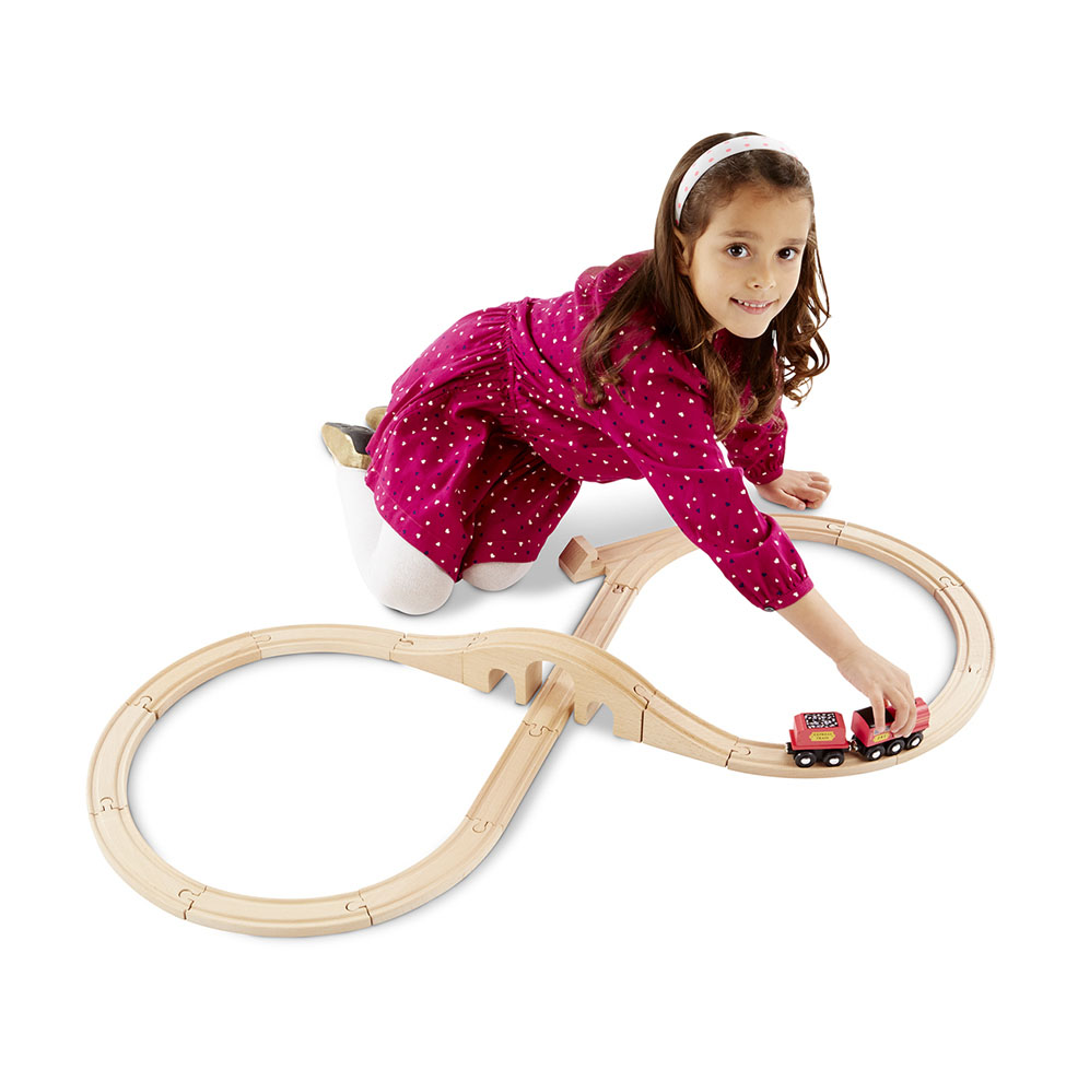 Набор деревянный из серии  Железная дорога  Поезд и восьмерка - Детская железная дорога, артикул: 164349
