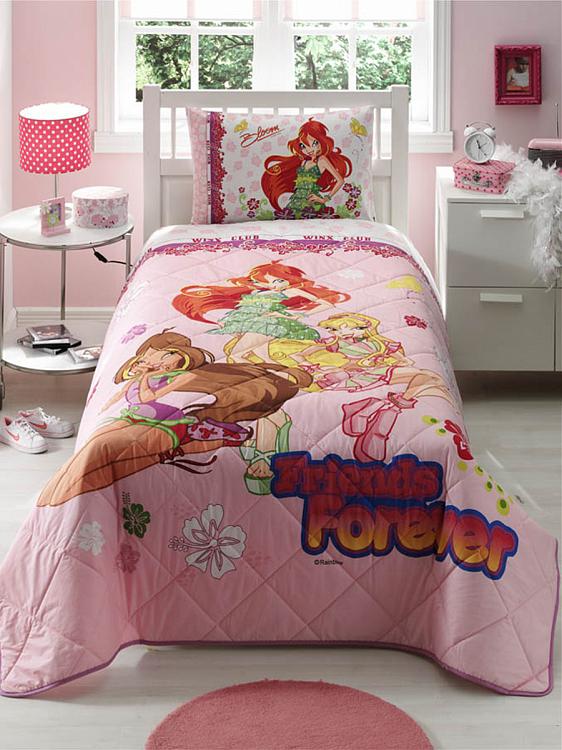 Детское покрывало, 1,5 спальное  Winx Friends ForeverДетские покрывала и пледы<br>Детское покрывало, 1,5 спальное  Winx Friends Forever<br>