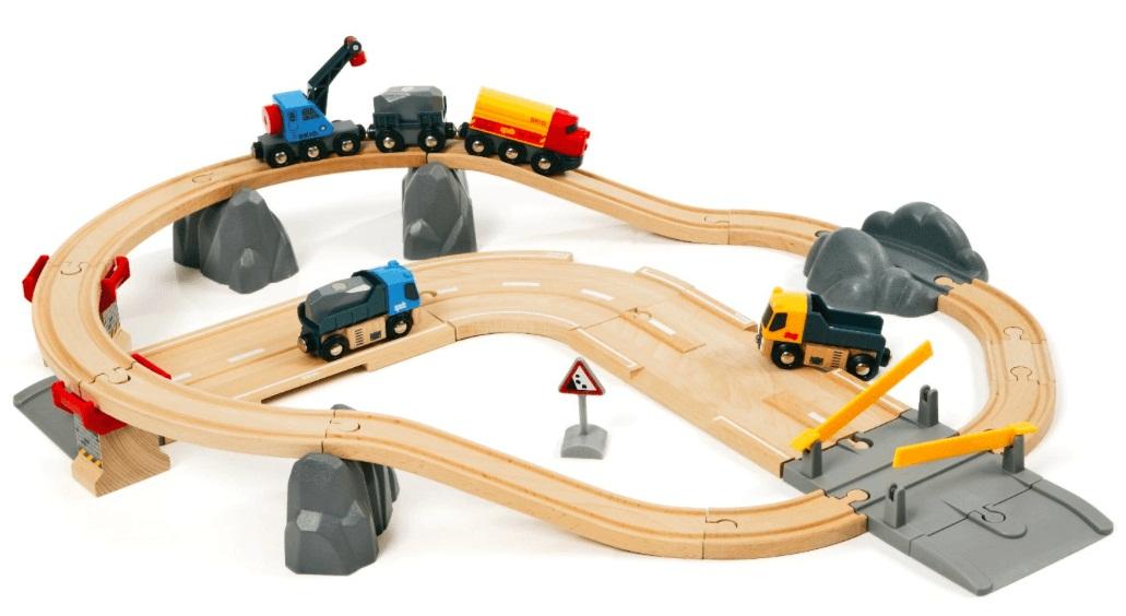 Железная дорога с автодорогой и переездом 32 элемента.