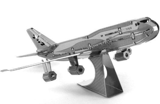Сборка металлической модели - реактивный самолёт от Toyway