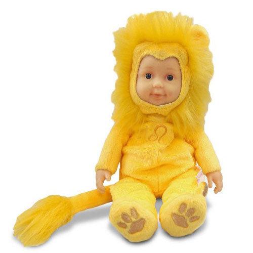 Кукла-младенец из серии Знаки зодиака – Лев, 23 см.Куклы детки ANNE GEDDES<br>Кукла-младенец из серии Знаки зодиака – Лев, 23 см.<br>