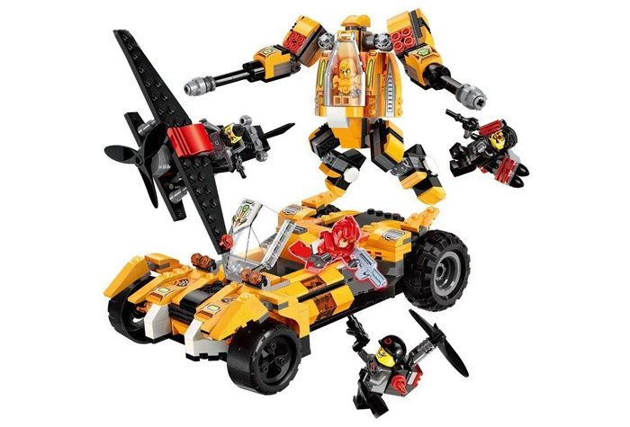 Конструктор с фигурками - Робот-машина, 622 детали ) по цене 1 997