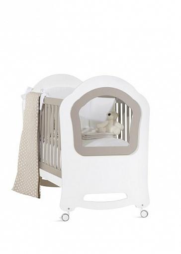 Кроватка детская из серии Princier, белая с серыми вставкамиДетские кровати и мягкая мебель<br>Кроватка детская из серии Princier, белая с серыми вставками<br>