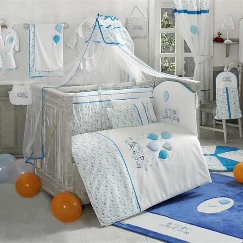 Комплект постельного белья из 6 предметов серии Happy Birthday, цвет – голубойДетское постельное белье<br>Комплект постельного белья из 6 предметов серии Happy Birthday, цвет – голубой<br>