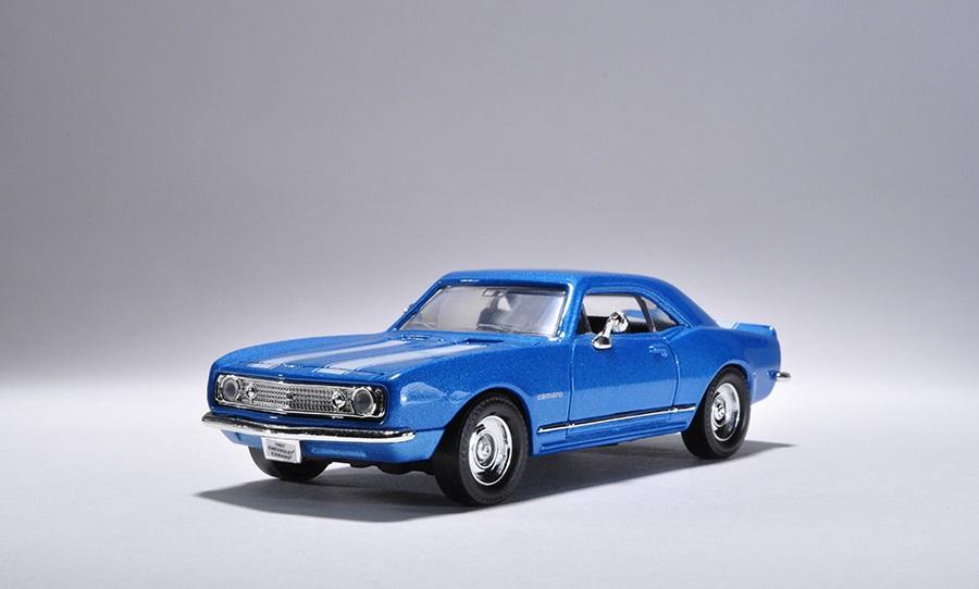 Коллекционная модель автомобиля 1967 года - Шевроле Camaro Z-28, 1/43 от Toyway