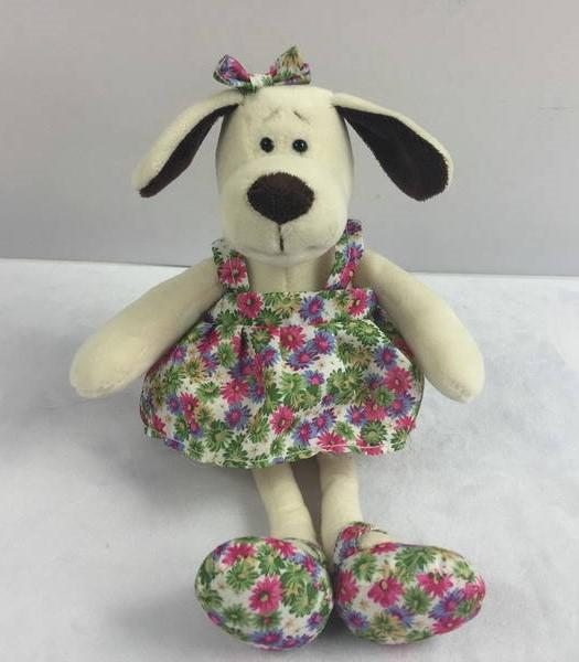 Мягкая игрушка - Собака в платье с цветами, 16 смСобаки<br>Мягкая игрушка - Собака в платье с цветами, 16 см<br>