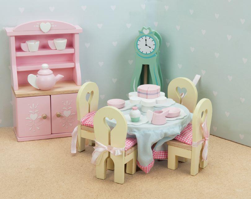 Кукольная мебель деревянная «Бутон розы – Столовая»Кукольные домики<br>Кукольная мебель деревянная «Бутон розы – Столовая»<br>